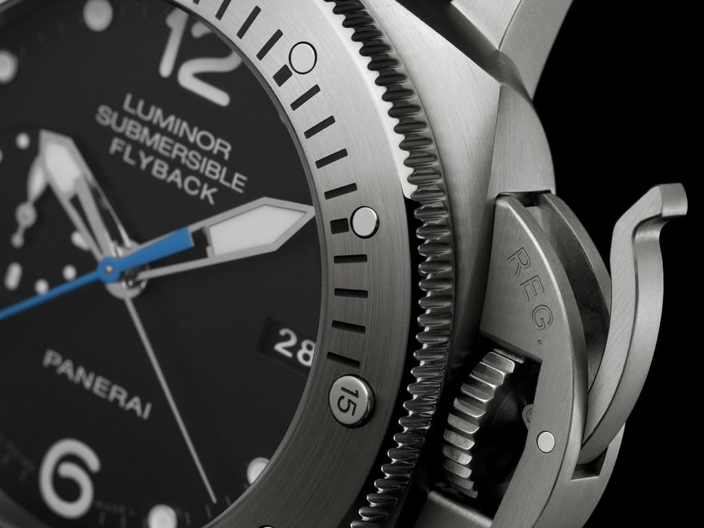 Panerai Luminor Submersible 1950 3 Days Chrono Flyback Automatic Titanio PAM614 detail